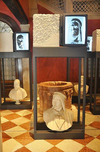 Fabrizio Plessi, L'Anima della pietra- Palazzo Loredan. Photo: Oliviero Zane